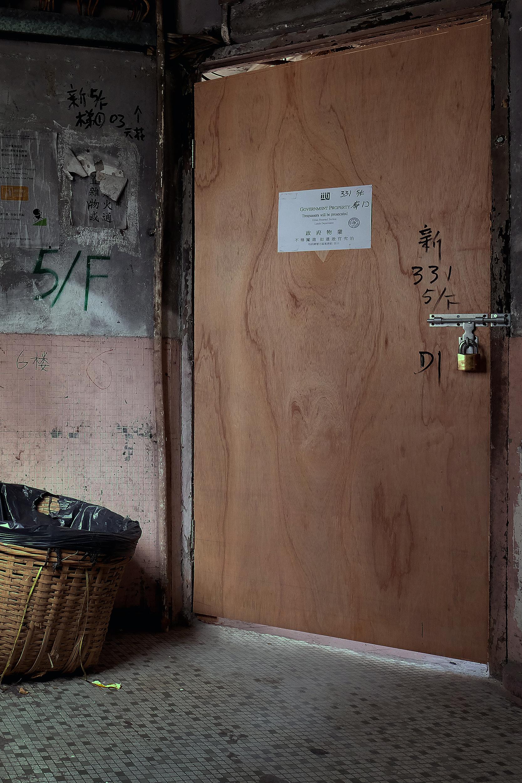 Illegal housing - Els Matthysen